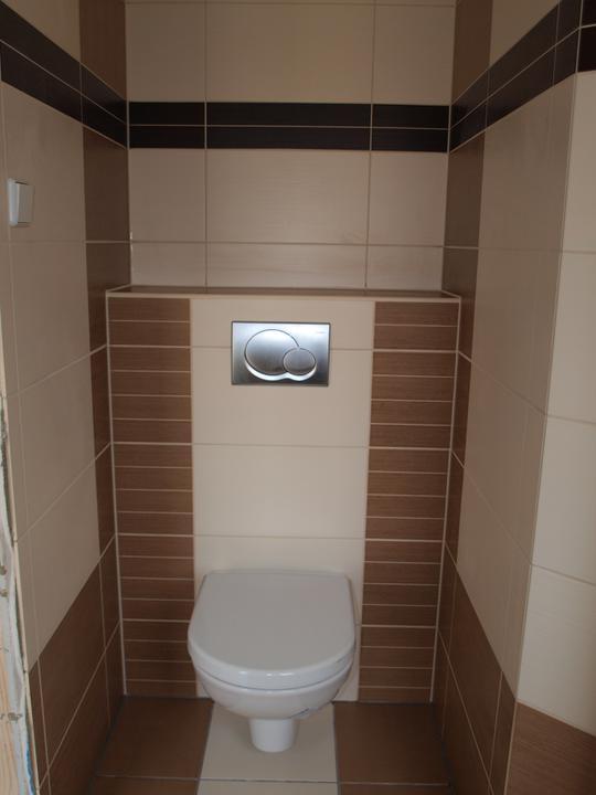 Stavba - 2. a 3. týden - Spodní toaleta, časem pořídím lepší fotku.