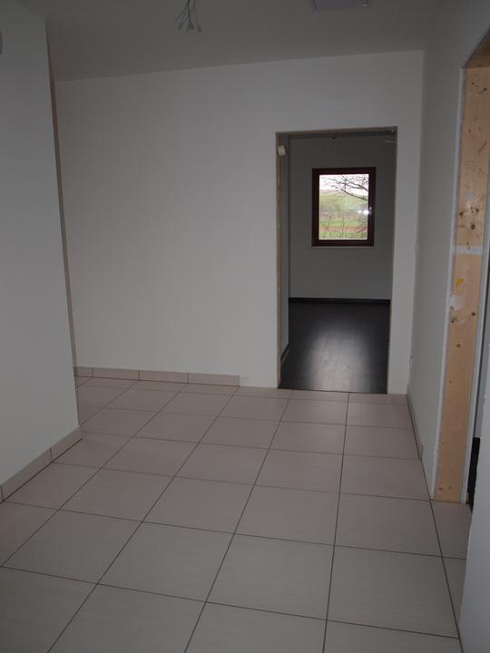 Stavba - 2. a 3. týden - Prostornost haly v přízemí nás nečekaně překvapila:)
