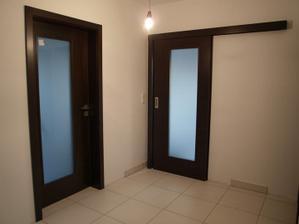 Dveře do pracovny a zádveří