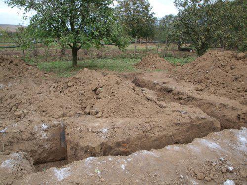 Stavíme s Rýmařovem - První den - bagrování základů