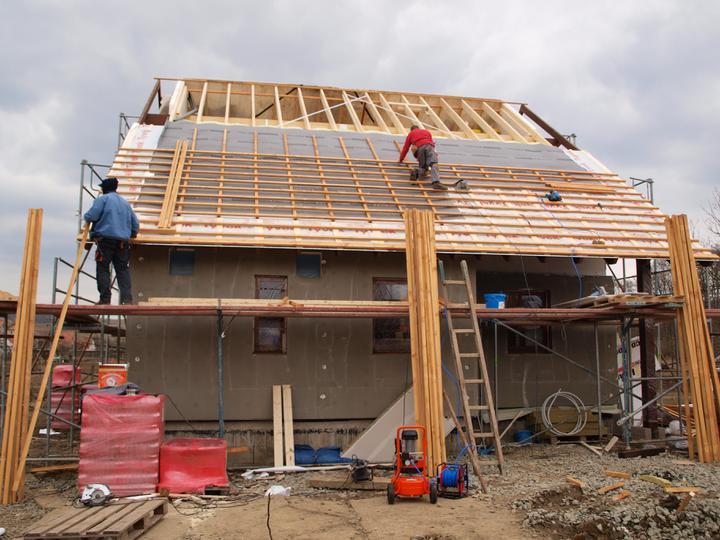 Stavba - 1. týden - A pro změnu zase práce na střeše...