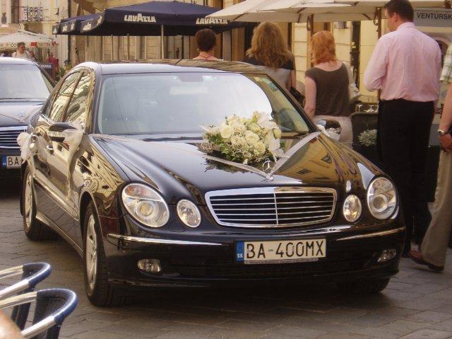 L{{_AND_}}R - naše svadobné autíčko