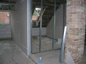 sádrokartonové příčky začínají utvářet interiér