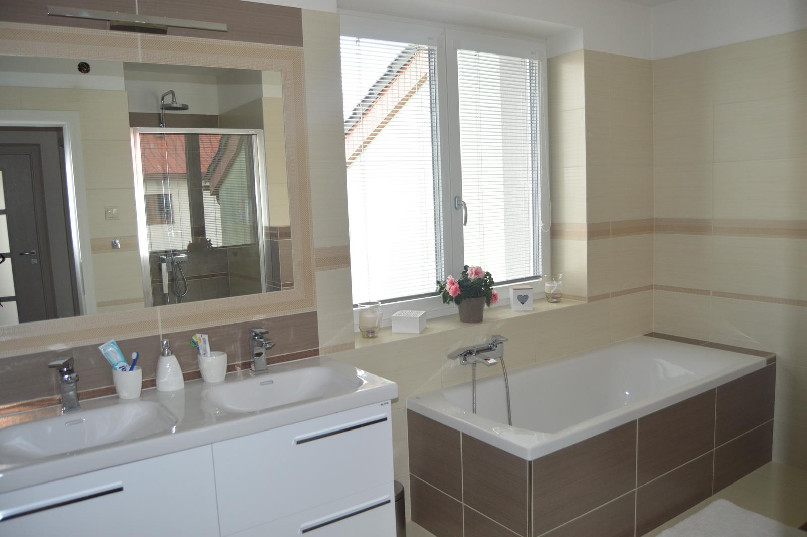 Naša rekonštrukcia - Konečne máme v kúpeľni žalúzie a ja sa po mesiaci čakania môžem konečne okúpať :D