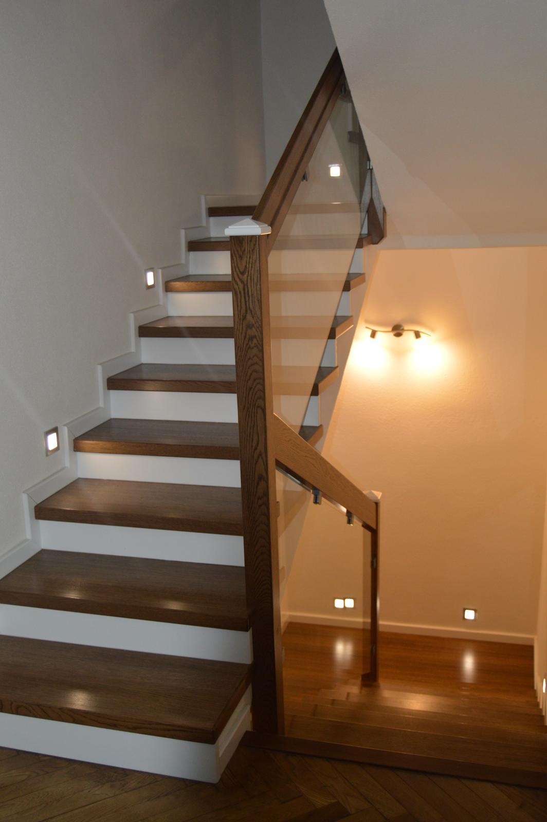 Naša rekonštrukcia - schodisko konečne hotové