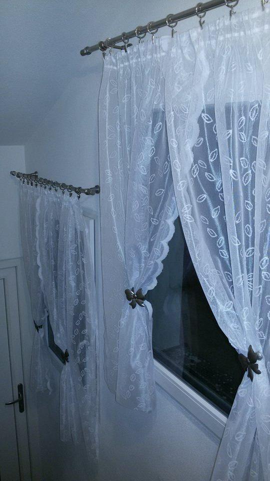 Naša rekonštrukcia - Okná v presieni boli také smutné a tak som im ušila nové šaty :)