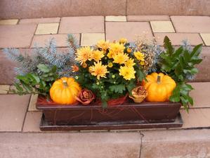 Připravený podzimní truhlík do okna