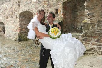 Poprvé nevěsta v náručí