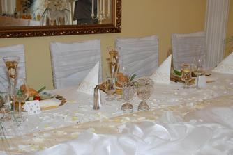 to bol náš hlavný stôl vo vnútri