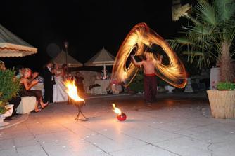 ohňová šou to bolo naše prekvapenie pre svadobných hostí