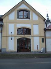 Bydleli jsme v bývalé kapli sv. Markéty ve Žďáru na d Sázavou.