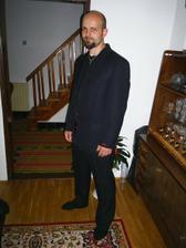 mackov dnes kupeny oblek :-) nazivo je este krajsi :-)
