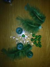 sviecky, kamienky a dekoracne perie :-)