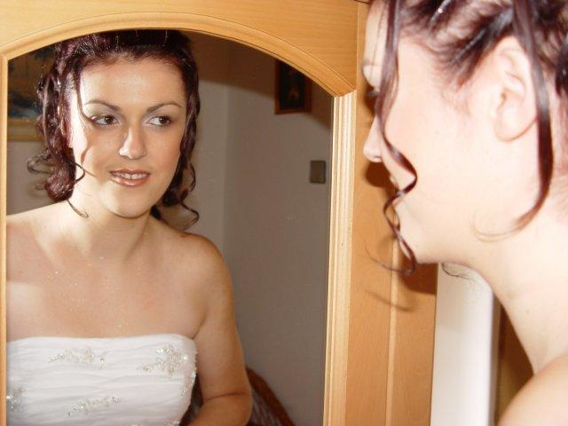 Zuzana Zakutanska{{_AND_}}Jozef Kmec - ja v zrkadle - pred upravou starsej druzice :-)
