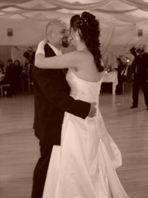 Zuzana Zakutanska{{_AND_}}Jozef Kmec - novomanzelsky tanec :-)