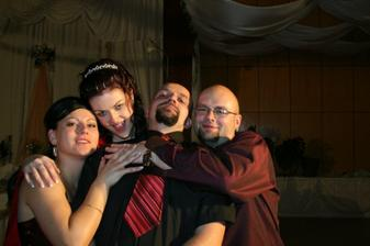 v januari ideme na svadbu my :-) tesime sa :-)
