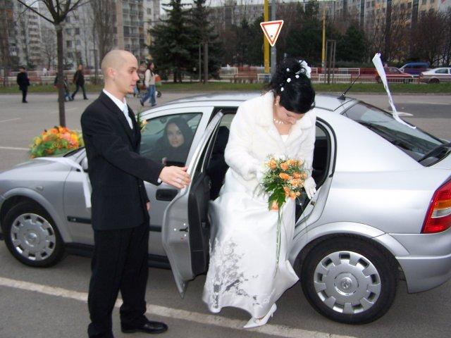 Alena Godušová{{_AND_}}Peter Maďaroš - ako mi otvara dvere auta