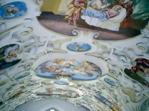 strop v kaplnke