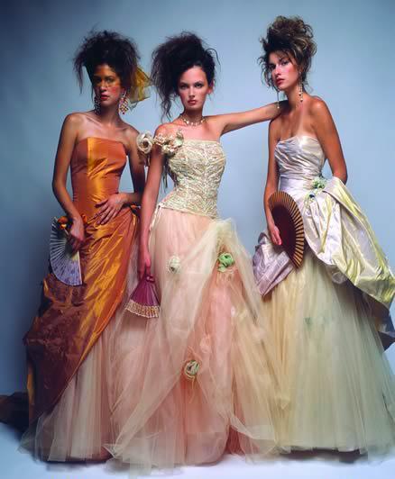 Detailiky nasej svadby 13.9.2008 - tento obrazok bol inspiraciou na saty pre druzicky - no az na tie farby ;-)