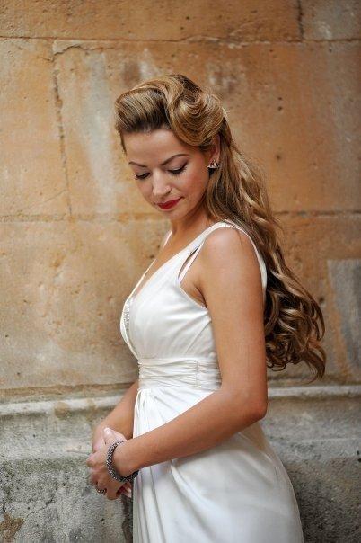 Detailiky nasej svadby 13.9.2008 - a takto tie vlasy nakoniec dopadli, ani som sa v zrkadle nespoznala !