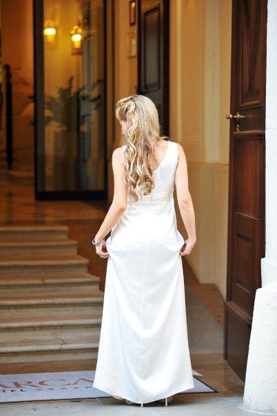 Detailiky nasej svadby 13.9.2008 - ... a zo zadu ... boli sice jednoduche ale som sa v nich citila ako Hollywoodska hviezda ;-)
