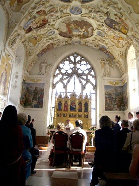 Detailiky nasej svadby 13.9.2008 - kaplnka Bojnickeho zamku ... malicka, ale krasna ;-)