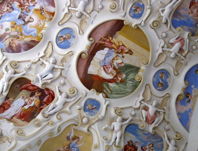Detailiky nasej svadby 13.9.2008 - strop v kaplnke