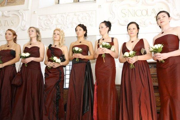 Detailiky nasej svadby 13.9.2008 - saty druziciek