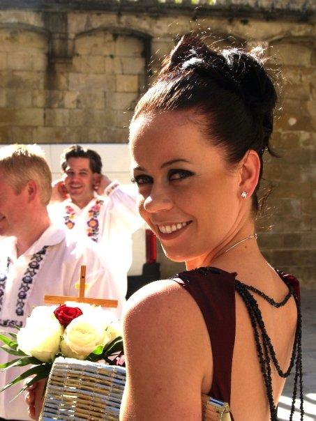 Detailiky nasej svadby 13.9.2008 - kazda druzicka mala nakoniec trochu iny make-up