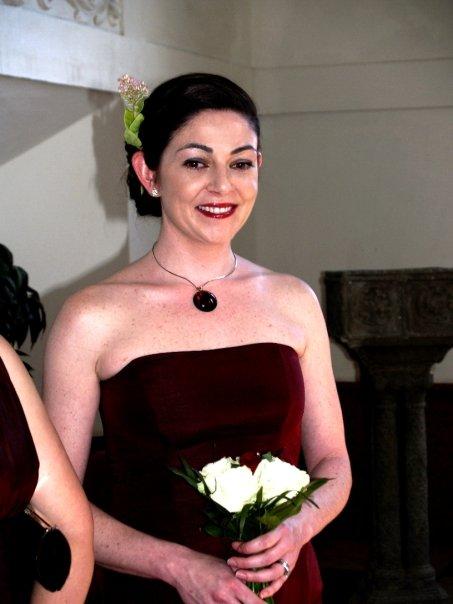 Detailiky nasej svadby 13.9.2008 - sikovne kadernicky vycarili aj z kratkych vlasov super ucesy ;-)