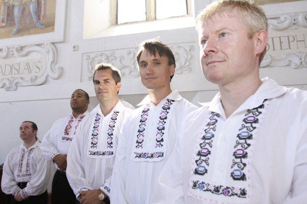 Detailiky nasej svadby 13.9.2008 - este raz druzbovia - detail koseli ;-)