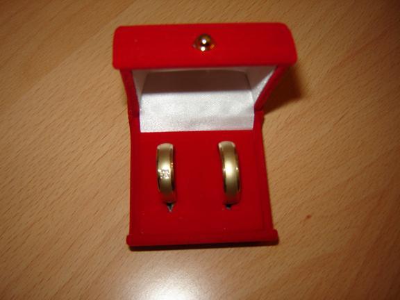 Naša svadba 2.jún 2007 - dnes sme si boli po ne, vo vnútri je ešte gravír meno a dátum svadby