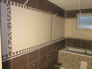 Sem na pravú stranu prídu dva umývadlá s dvomi skrinkami a zrkadlo