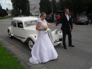 naše krásne svadobné autíčko