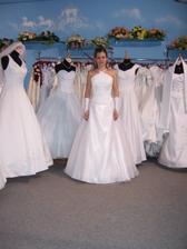 Moje svatební šatičky:)