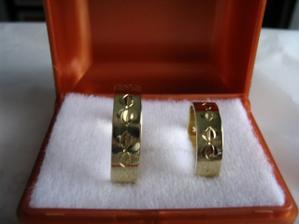 Naše dlouho očekávané snubní prstýnky:)