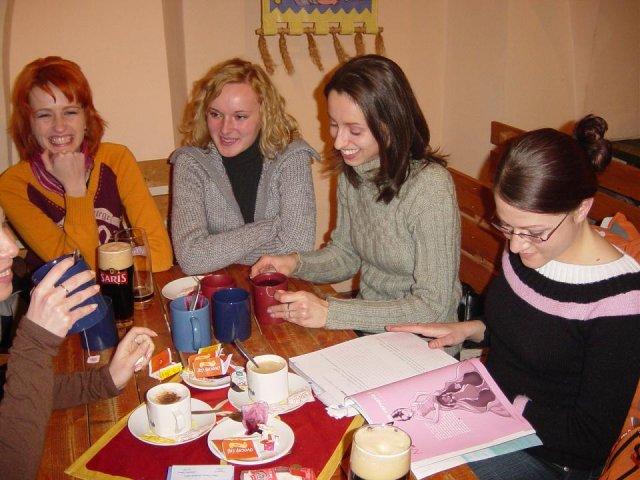 Stretko KE - zľava: ja,Tinuska,Eriii,Govinda