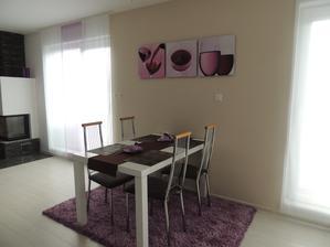 """Náš """"nový"""" stôl,prestriekaný z jelše do bielej,ešte nové stoličky a budem spokojná :-)"""
