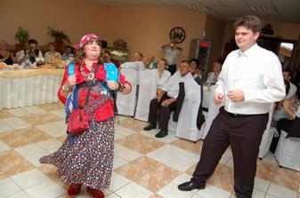... a tanec pre ciganku ...