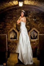 ...svadobné šaty Essence na mne.