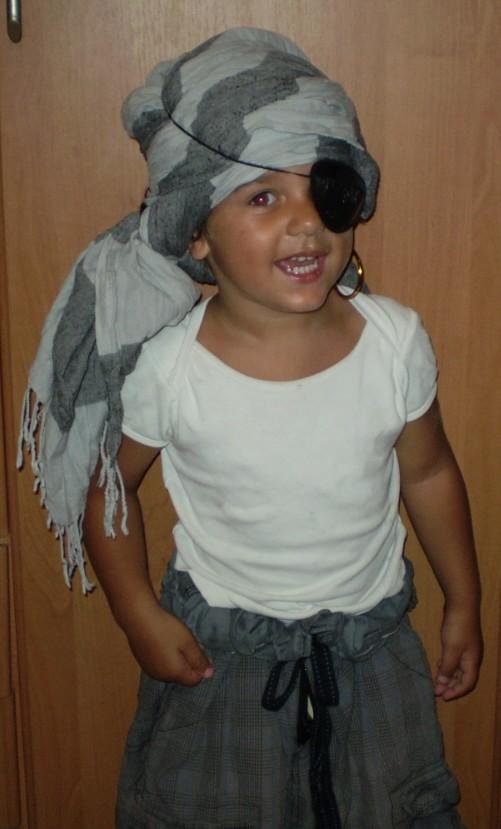 """"""" Pirátska téma """" - prebieha skúška kostýmu"""