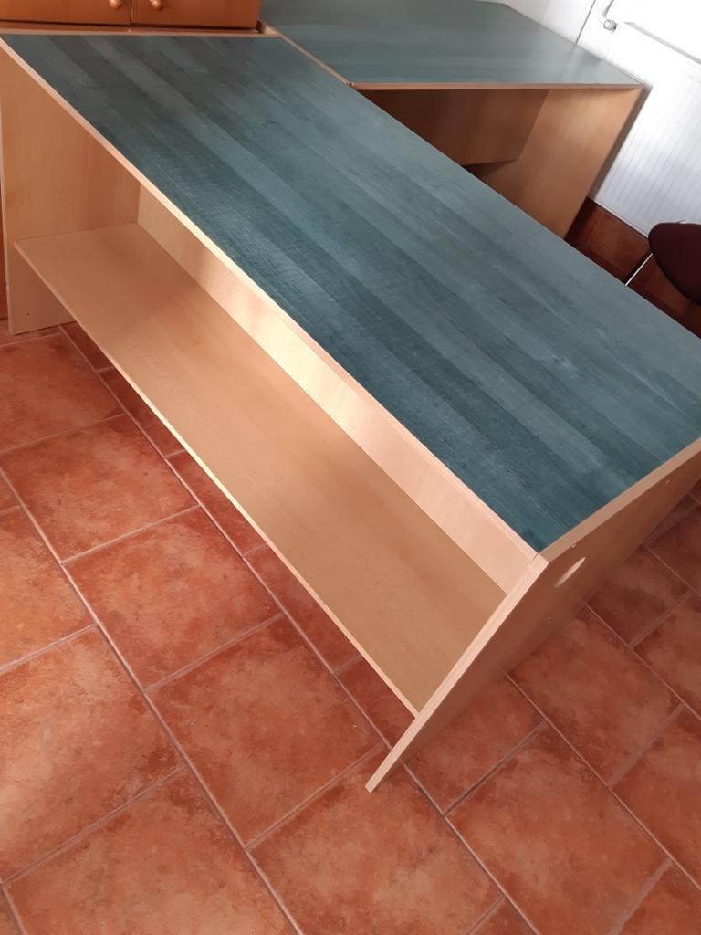 kancelarsky pisaci stol - Obrázok č. 1