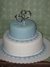 Krasna decentna torta