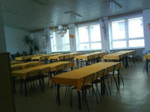 nakoniec to bude na www.sedmicka.eu, pekná priestranná sála, vonku je k dispozícii teraska ------: výzdoba bielo/zlatá