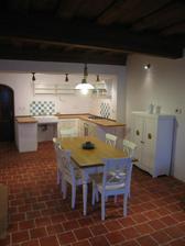 Kuchyňka s obývákem - asi 50-ti metrová:)