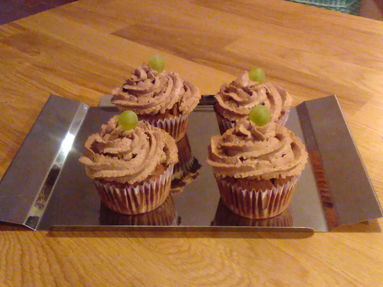 Sladký podzim v mojí kavárně - Velvet cup cakes s mascarem a hořkou čokoládou