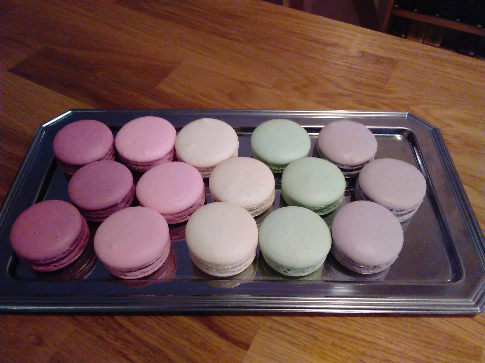 Sladký podzim v mojí kavárně - Hořká čokoláda, černý rybíz, malina, čokoládová-mint,  vanilka