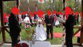 Pro menší nevěstu krajkové šaty s vlečkou 38-40, 38