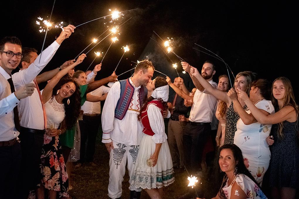 Svadba Eva a Tomáš - hrad Červený kameň - Obrázok č. 8