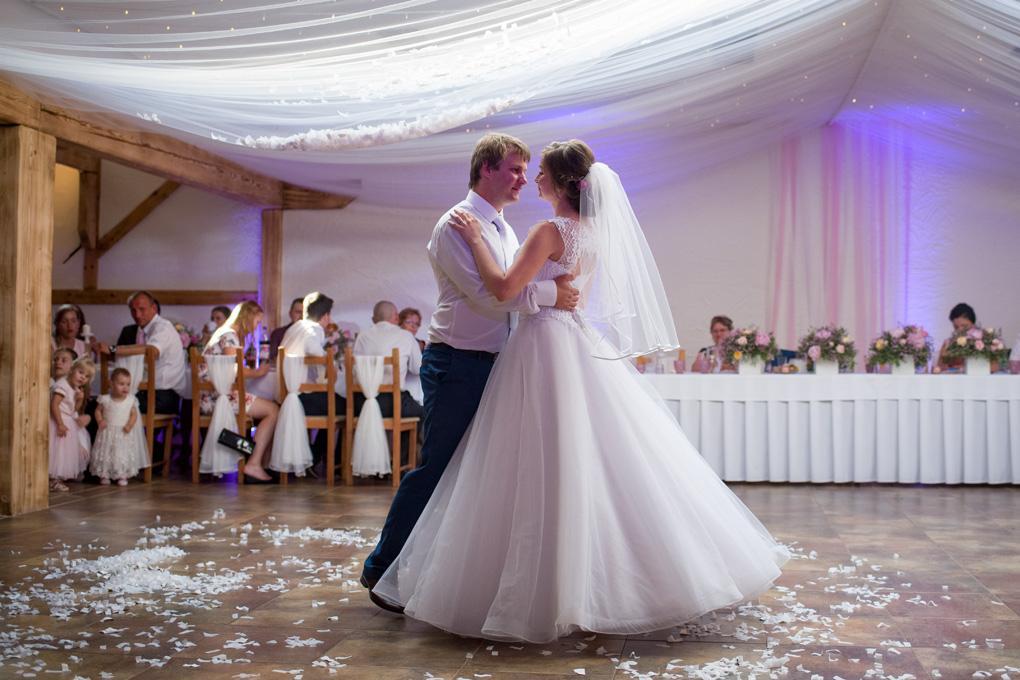 Svadba Ivana a Martin - Jasenica - Obrázok č. 4